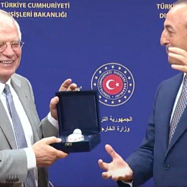 Çavuşoğlu, AB Temsilcisi Borrell'e BOREL hediye etti #1