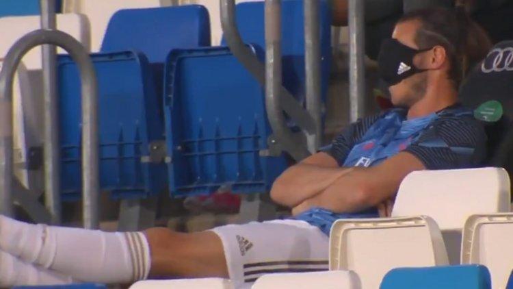 Gareth Bale yedek kulübesinde uyudu #1