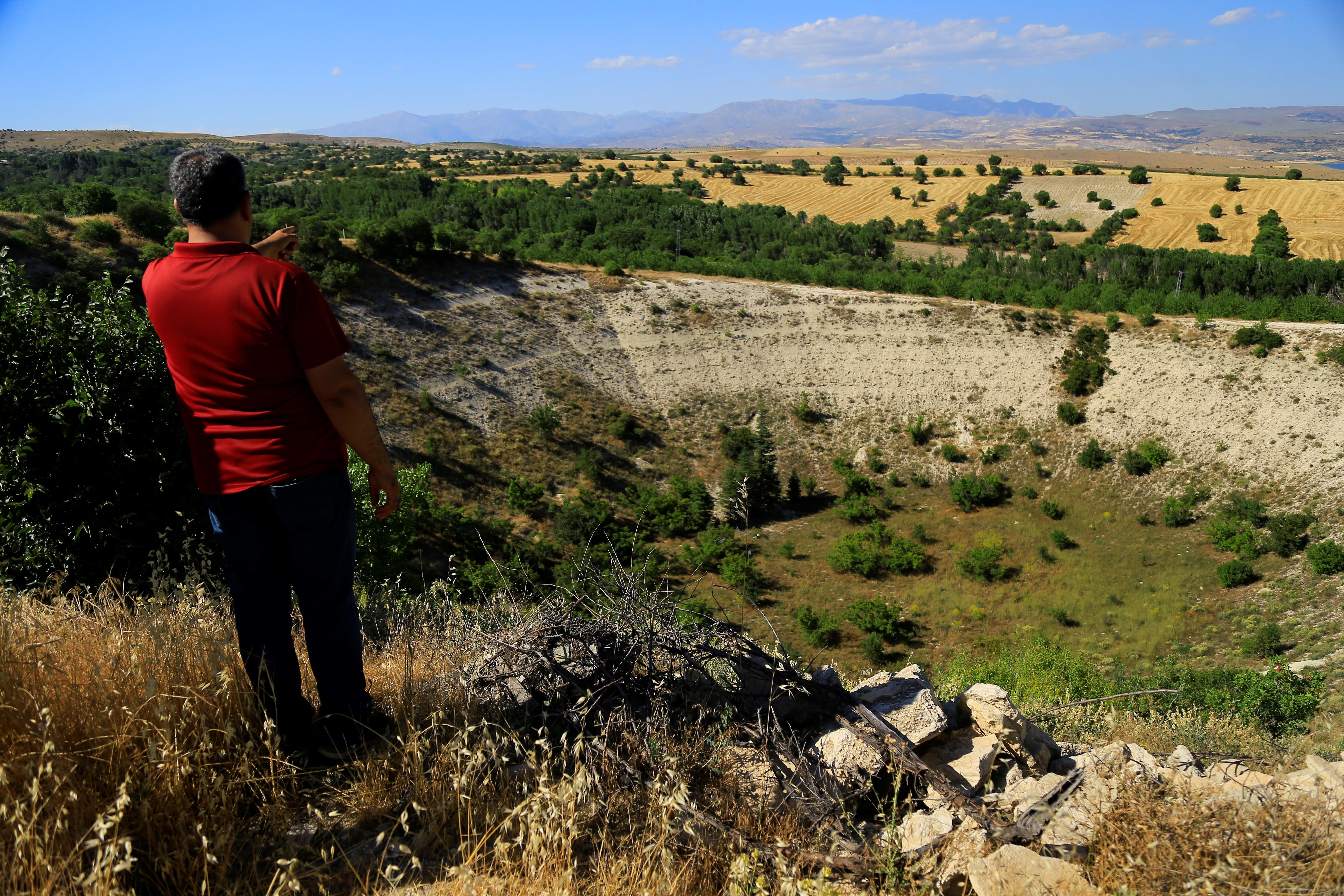 Elazığ'daki 'Kup' çukurunun nasıl oluştuğu bilinmiyor #1