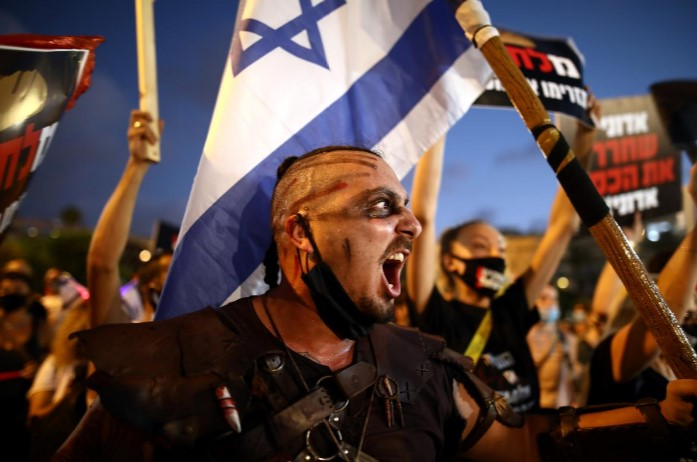 Protesters in Israel demand Netanyahu resign