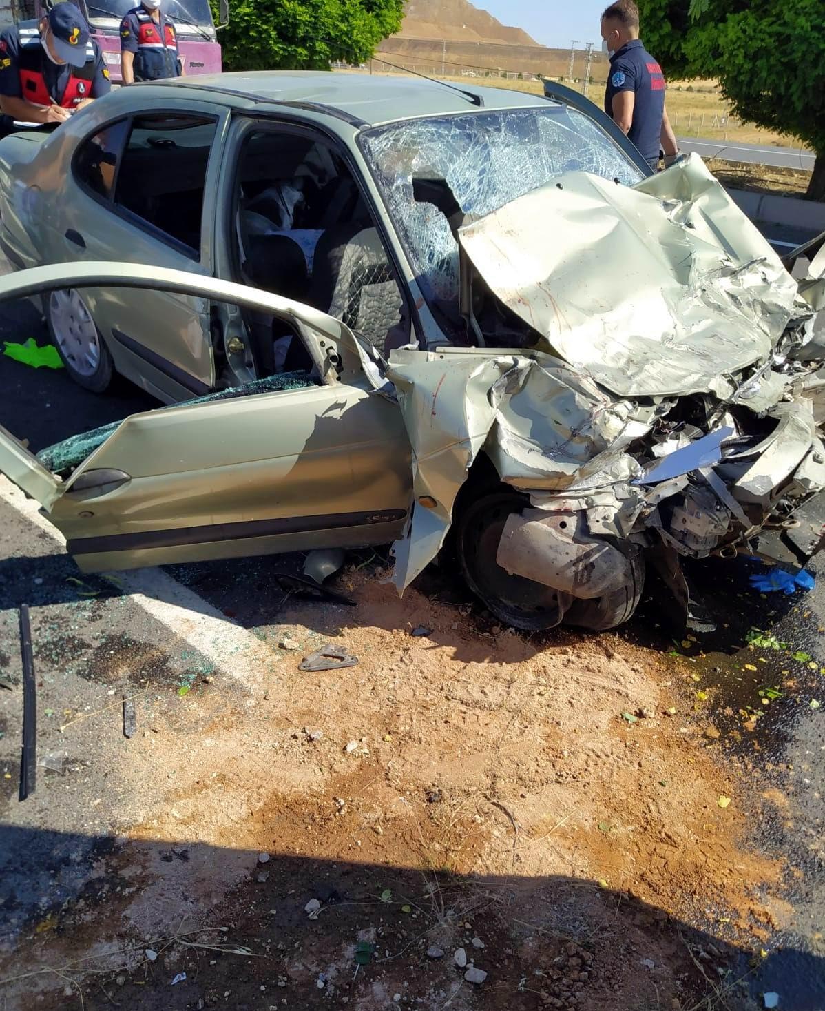 Kayseri'de kaza yapan polis memuru hayatını kaybetti #1
