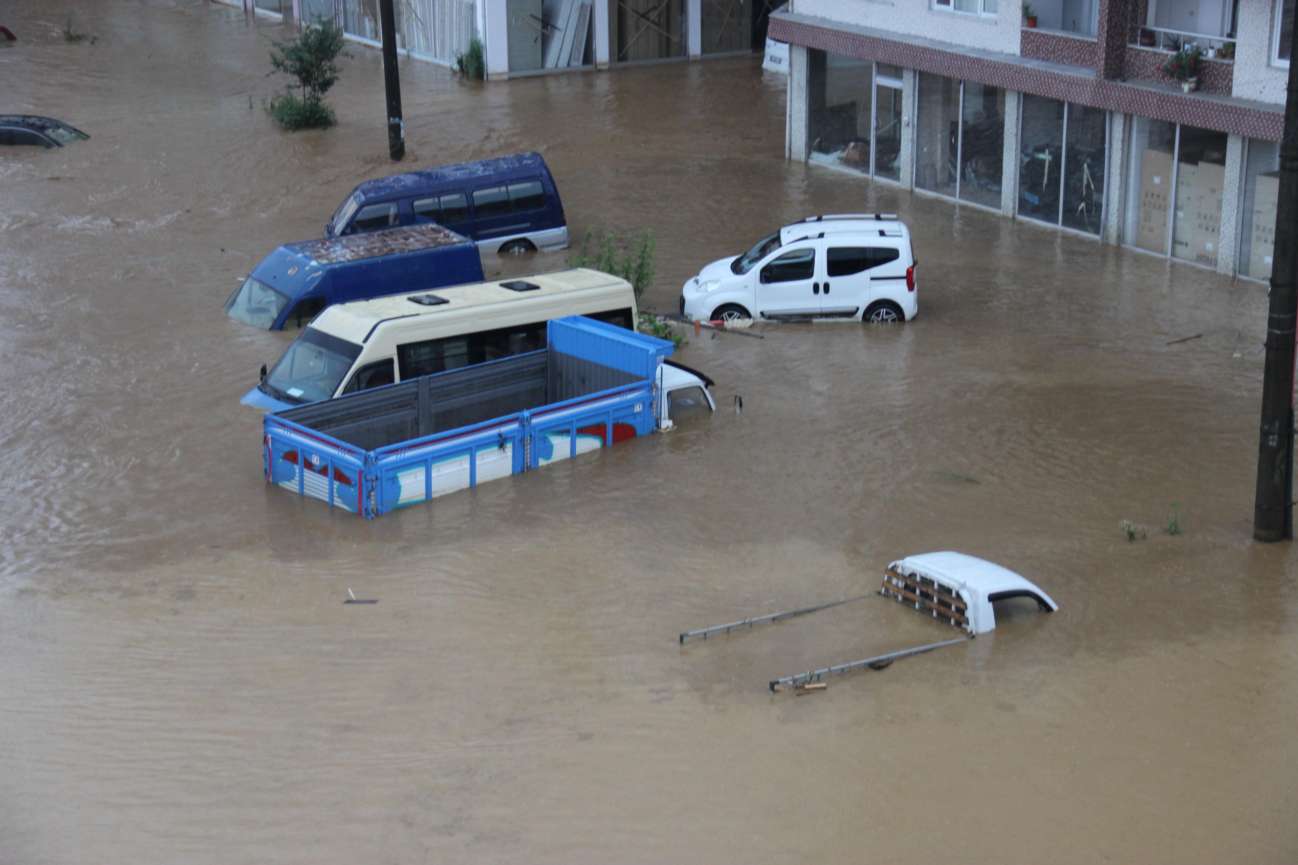 Rize'deki yağışlarda son 91 yılın rekoru kırıldı #9
