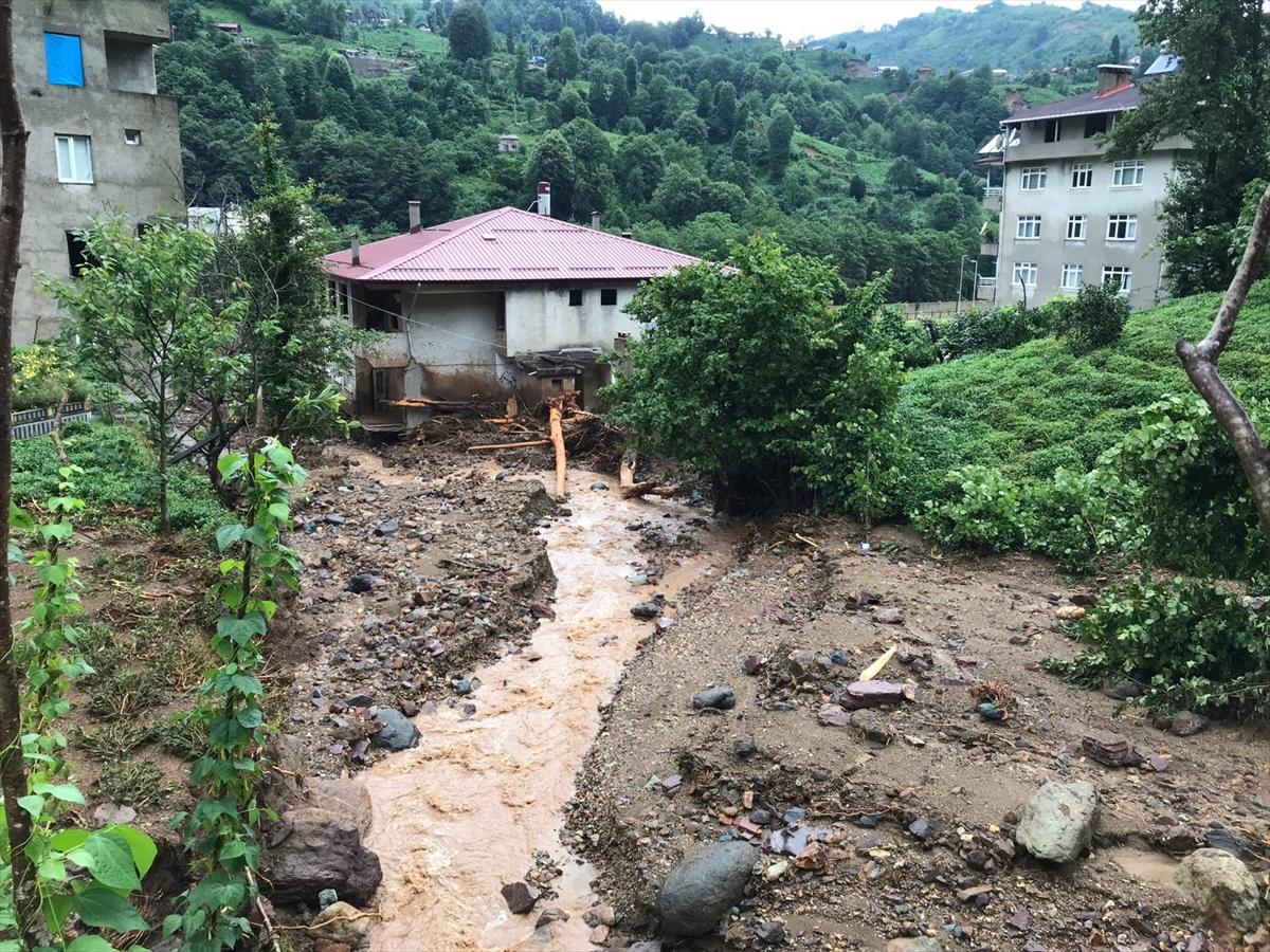 Rize'deki yağışlarda son 91 yılın rekoru kırıldı #4