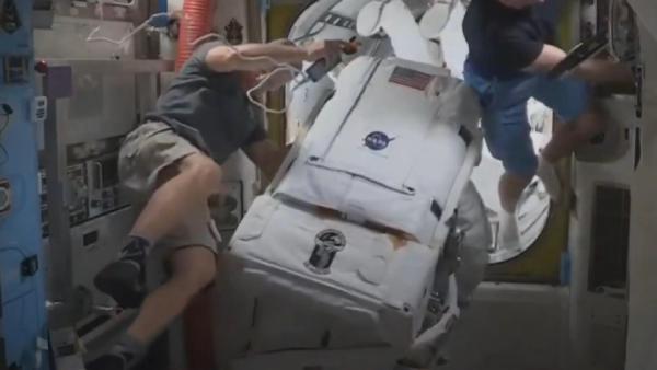 NASA astronotları uzay yürüyüşüne çıktı #2