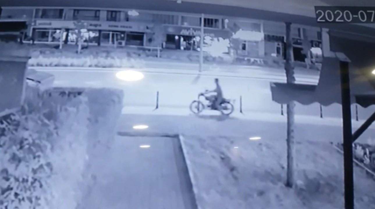Konya'da motosiklet çalan hırsız #2