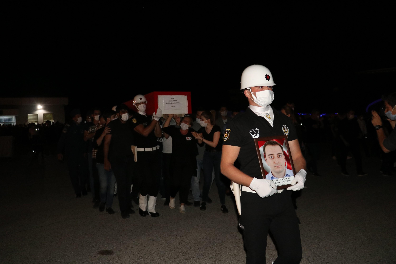Van'da şehit olan polisler törenle uğurlandı #2