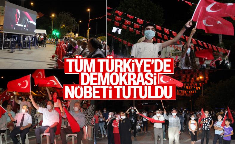 Türkiye'nin dört bir yanında demokrasi nöbeti tutuldu