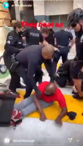 ABD polisi bu kez engelli siyahiyi darbetti #1
