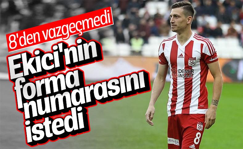 Mert Hakan Yandaş'ın Fenerbahçe'deki forma numarası