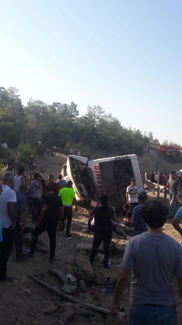 Mersin'de asker taşıyan otobüs devrildi: 4 şehit #11