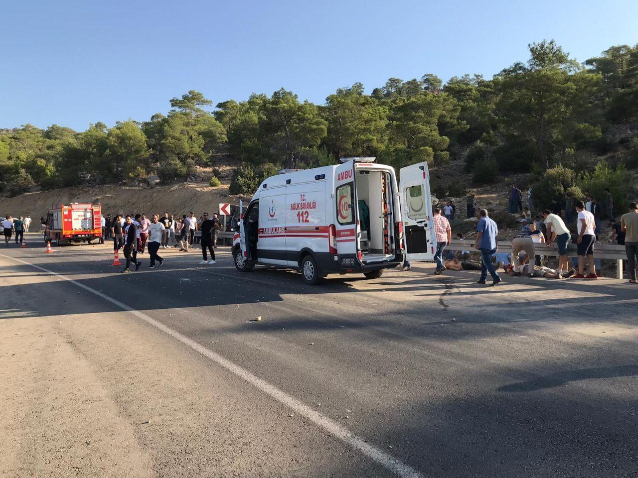 Mersin'de asker taşıyan otobüs devrildi: 4 şehit #2