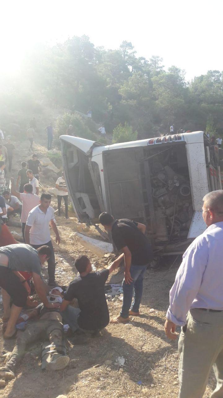 Mersin'de asker taşıyan otobüs devrildi: 4 şehit #9