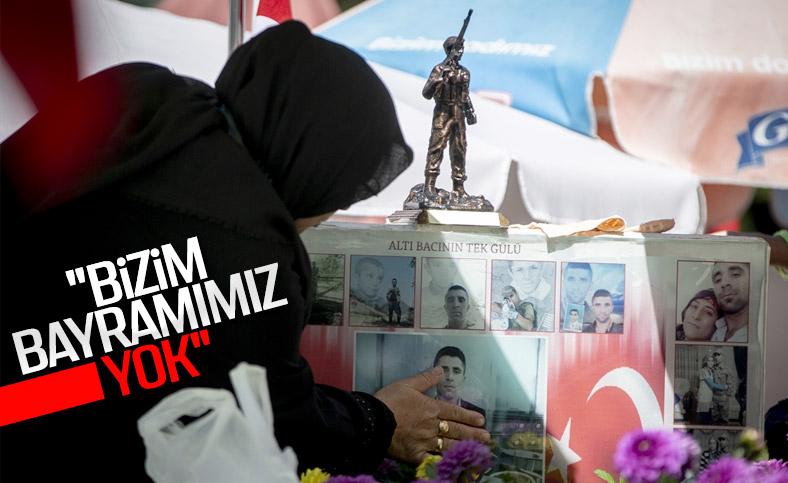 Ankara'da şehitliklere bayram ziyareti