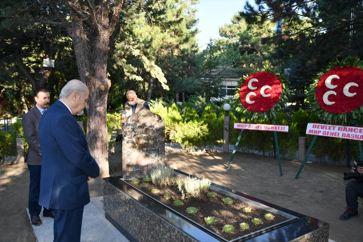 Bahçeli, Alparslan Türkeş'in kabrini ziyaret etti #1