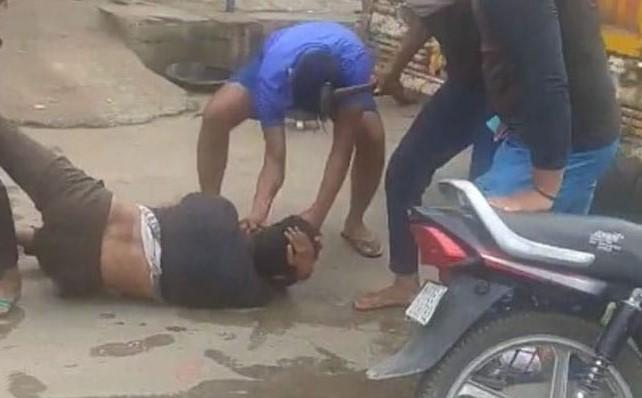 Hindistan'da kurban eti taşıyan Müslümanı linç ettiler #2