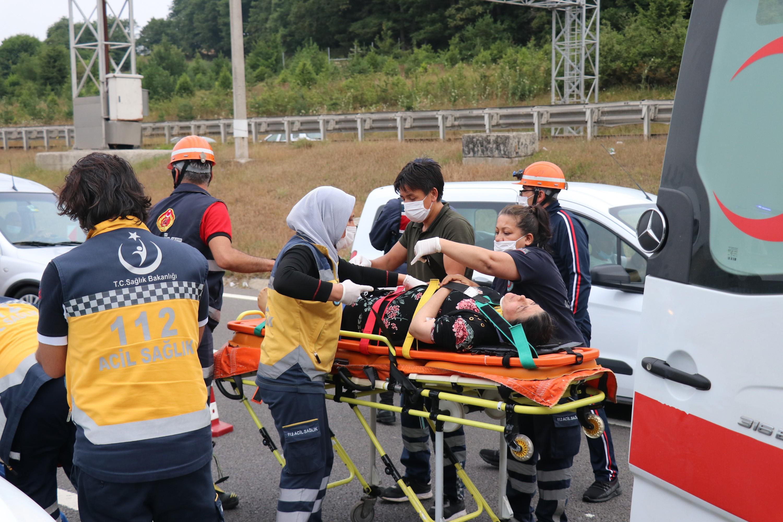 TEM'de zincirleme kaza: 8 yaralı #7