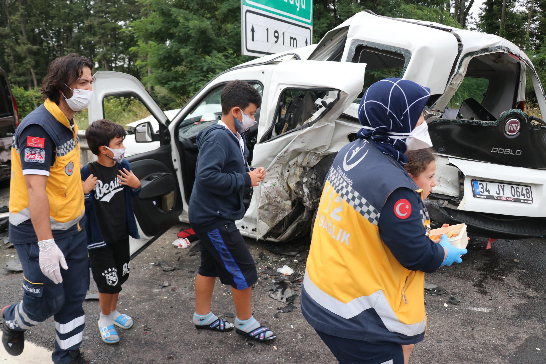 TEM'de zincirleme kaza: 8 yaralı #6