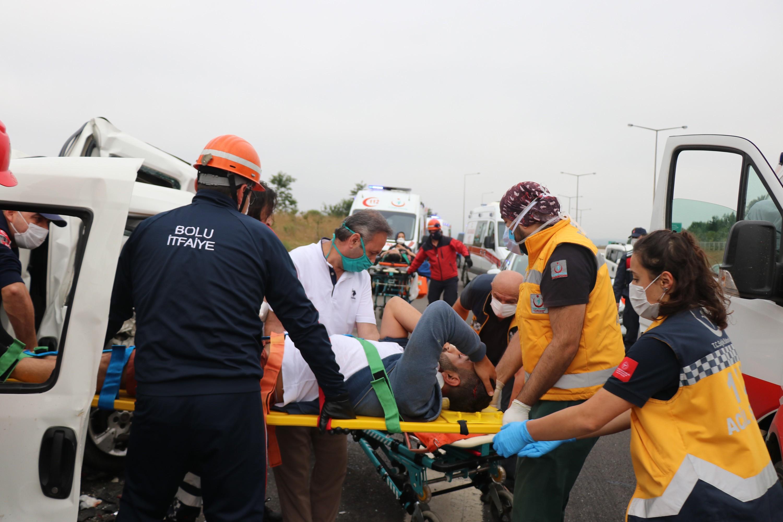 TEM'de zincirleme kaza: 8 yaralı #5