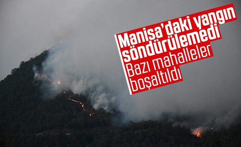 Manisa'da orman yangını yerleşimlere ulaştı