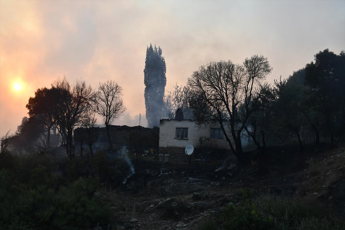 Bir orman yangını Manisa # 9 yerleşimlerine ulaştı