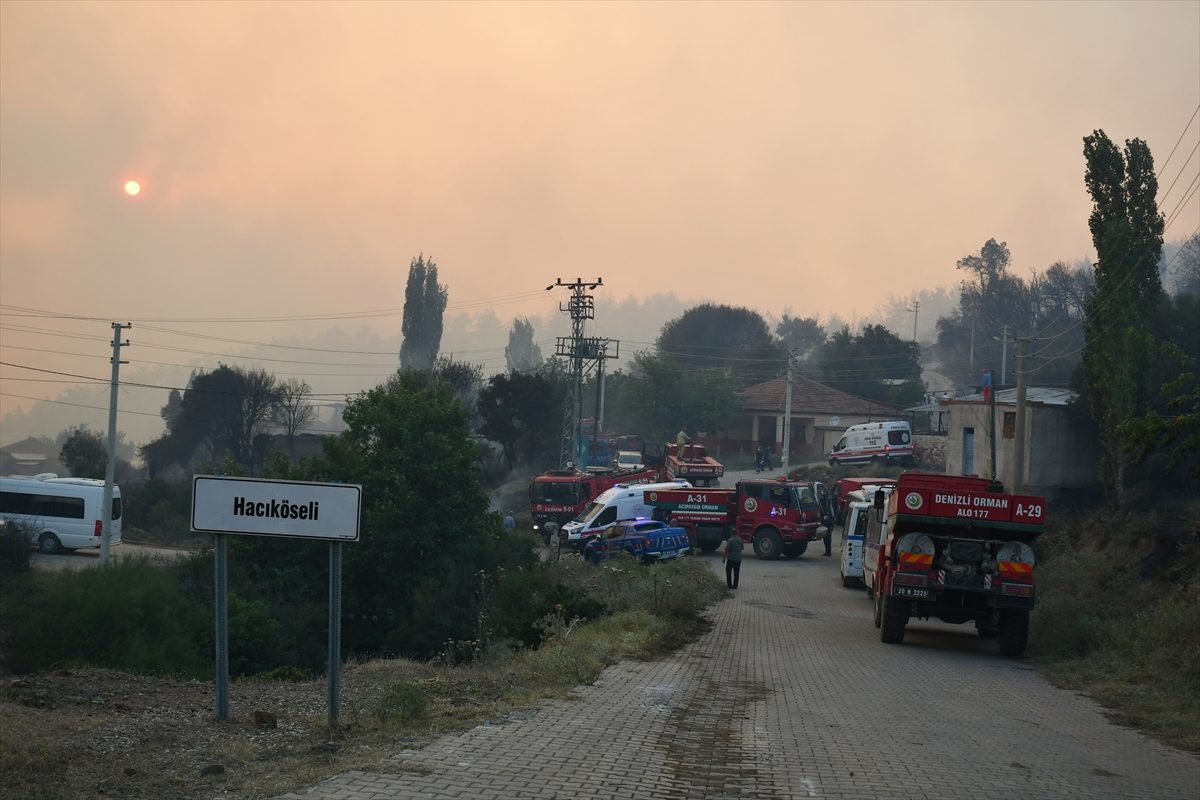 Bir orman yangını Manisa # 10 yerleşimlerine ulaştı