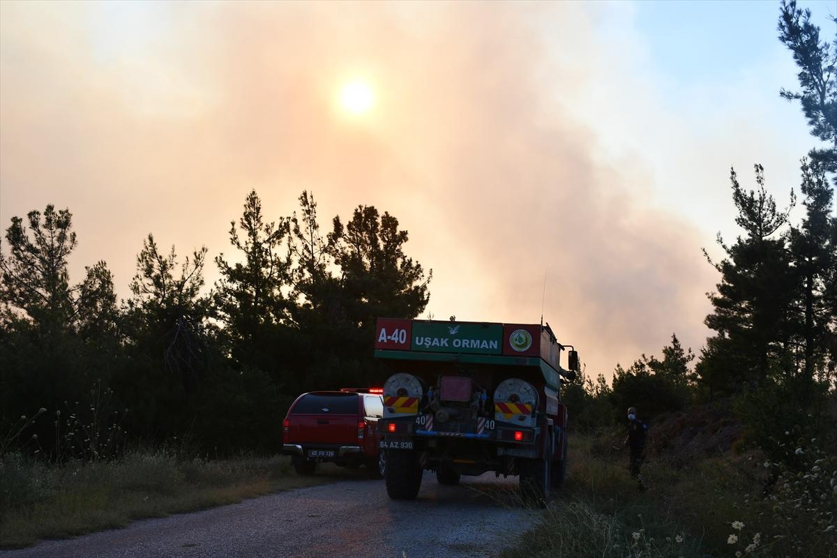 Bir orman yangını Manisa yerleşim yerlerine ulaştı # 12