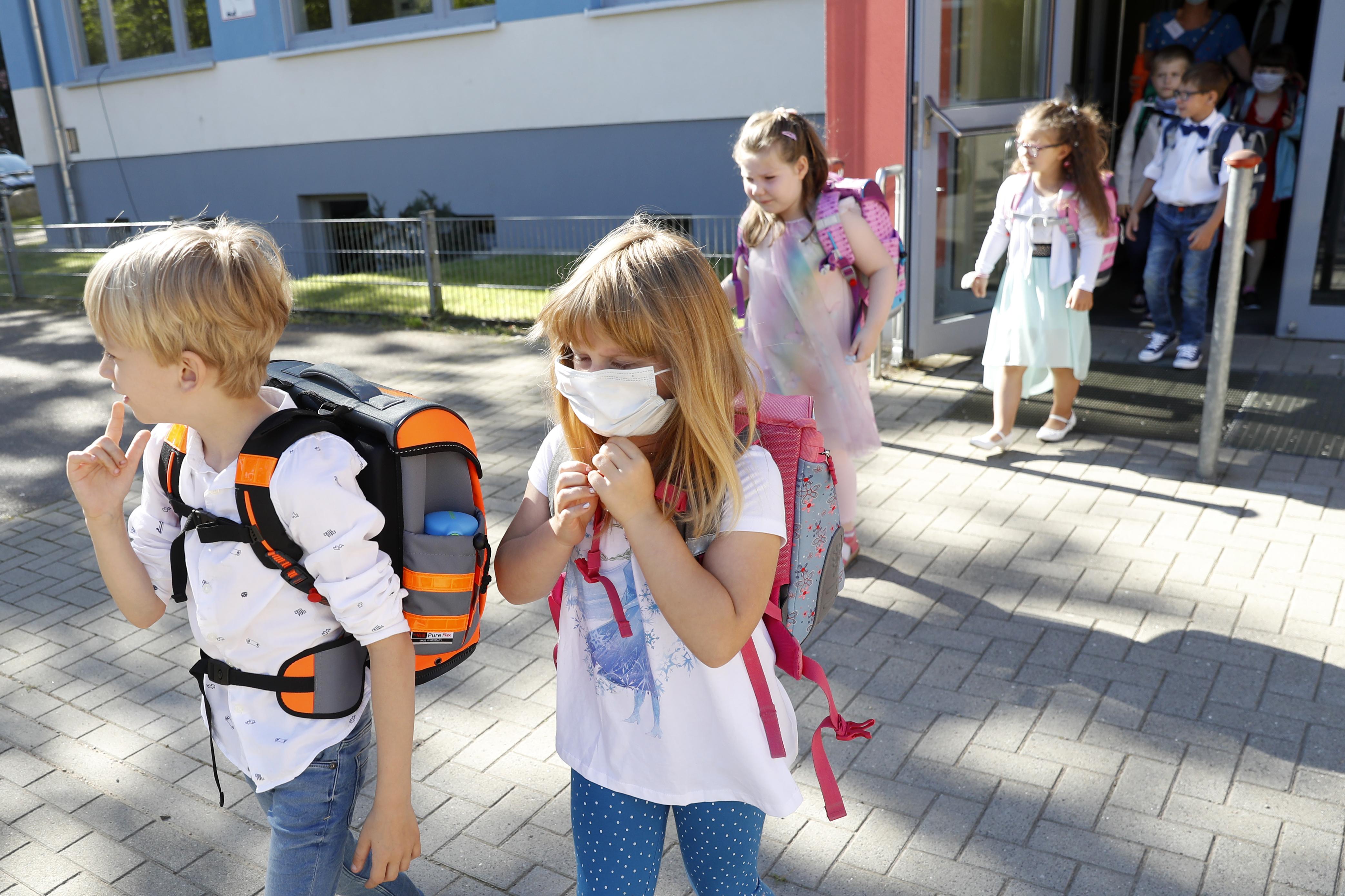 Almanya'da okullar açılmaya başladı #2