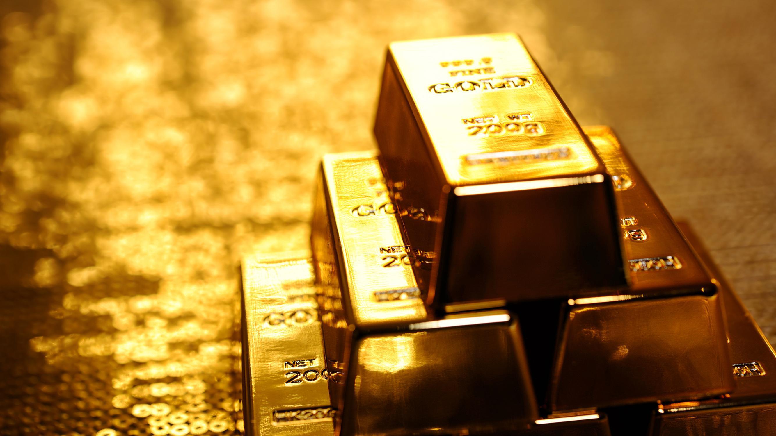 Bir ons altın tüm zamanların en yüksek seviyesini vurdu 1985.18 $ # 1