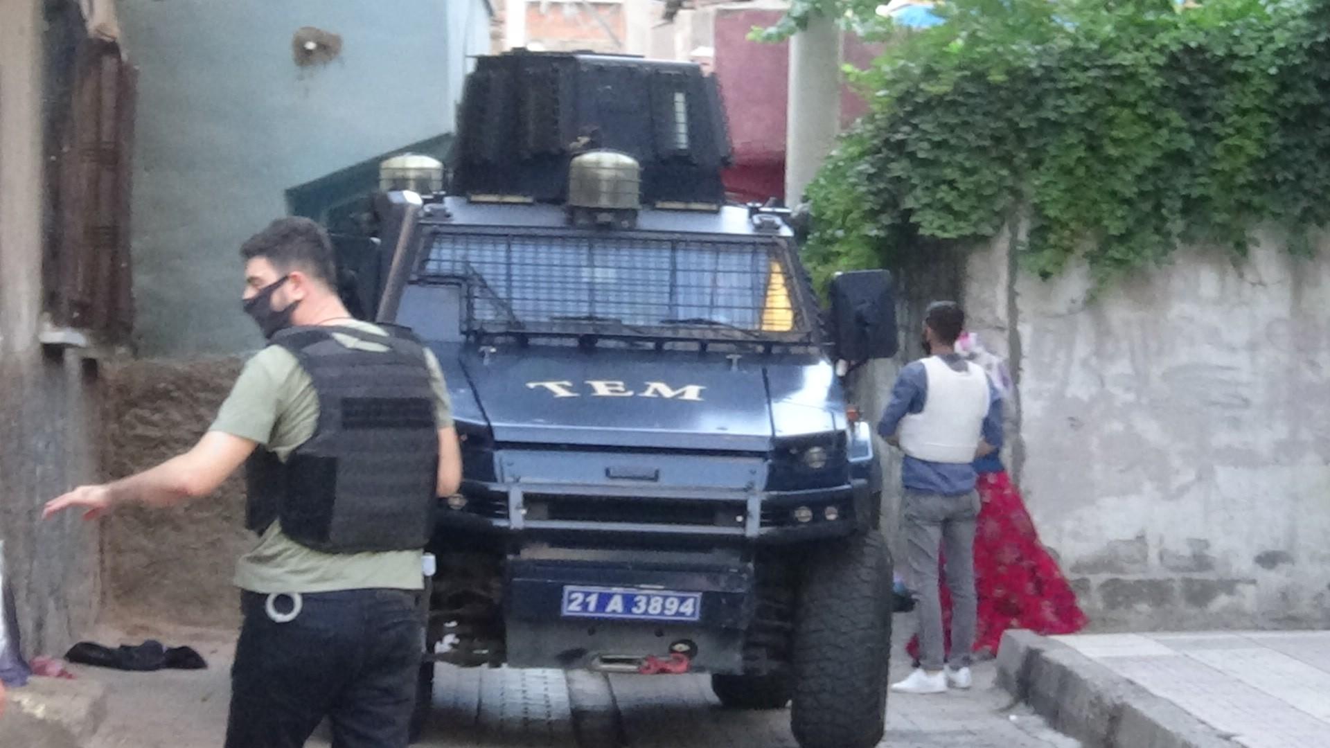 Diyarbakır'da pazar yeri kavgası: 12 yaralı #4