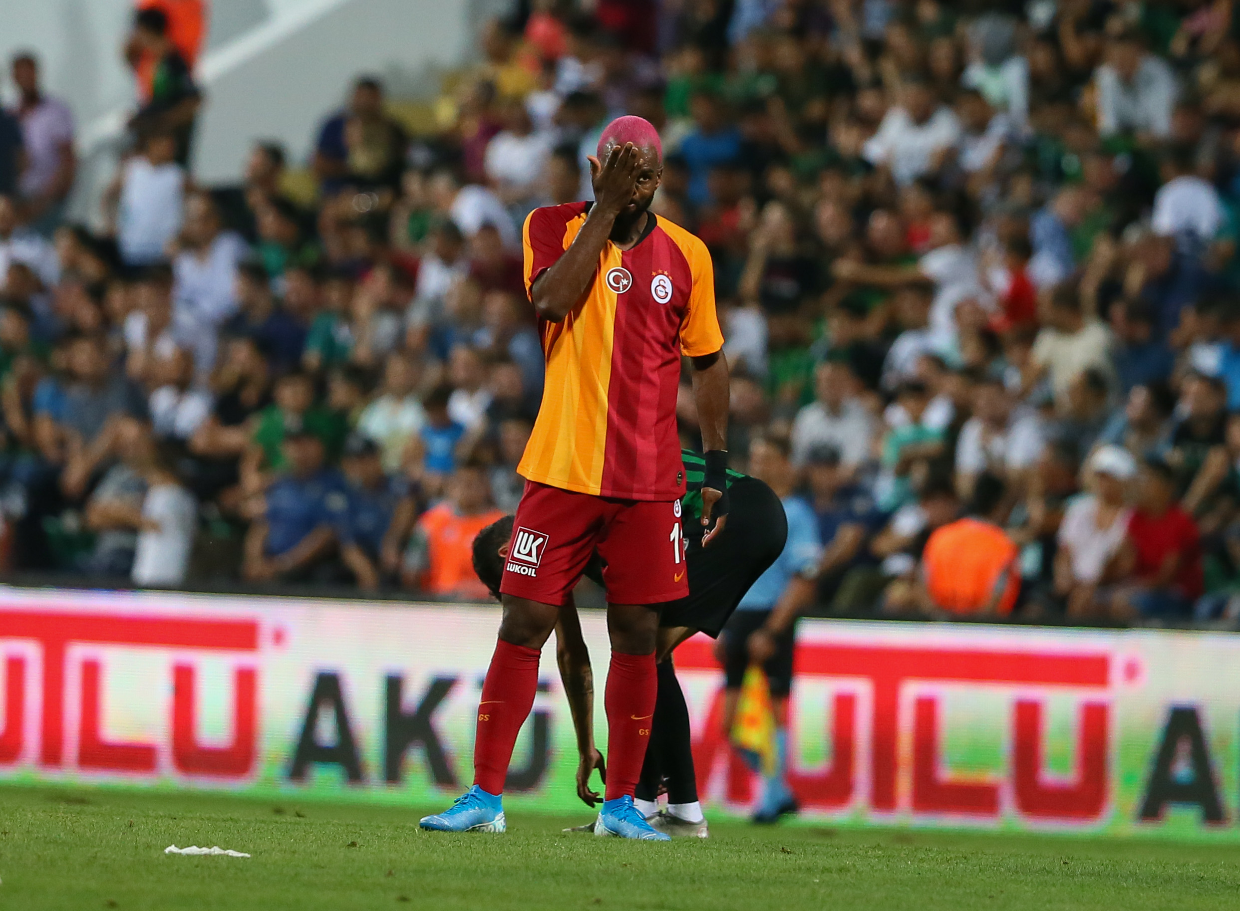 Galatasaray'da kamp kadrosuna alınmayacak isimler #1