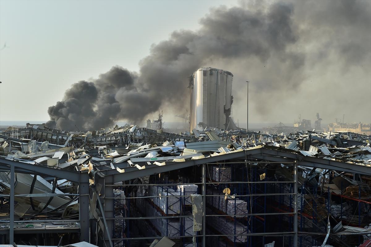 Lübnan'ın başkenti Beyrut'ta patlama #8
