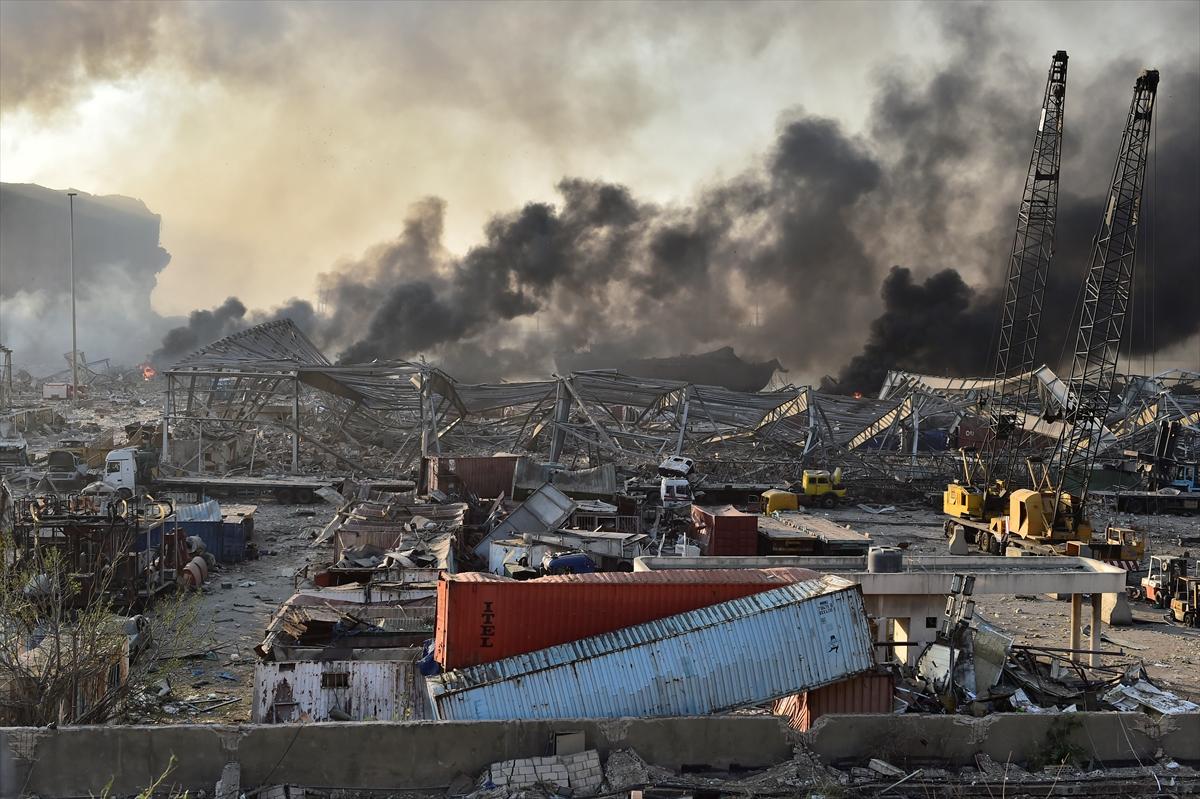 Lübnan'ın başkenti Beyrut'ta patlama #14