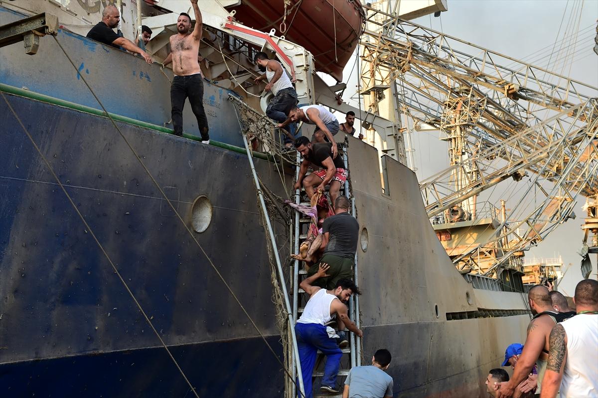 Lübnan'ın başkenti Beyrut'ta patlama #11