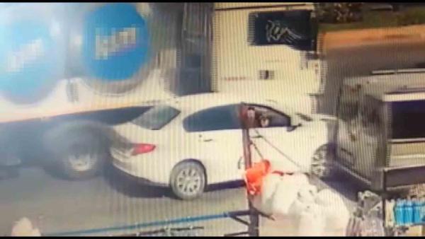 Konya'da, kaza sonrası darbedilen sürücü kamerada #1