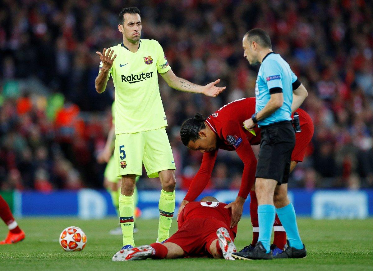Cüneyt Çakır, Barcelona-Napoli maçını yönetecek #1