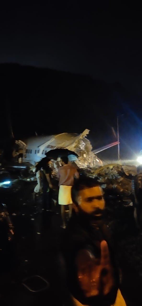 Hindistan da 191 kişiyi taşıyan uçak kaza yaptı  #2