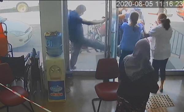 Eskişehir de, sağlık raporu vermeyen doktorlara saldırı #3
