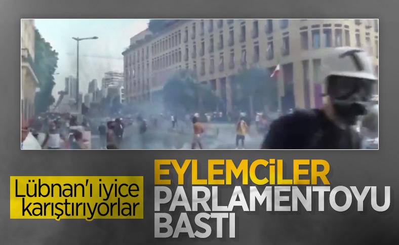 Lübnan'da göstericiler parlamento binasına yürüdü