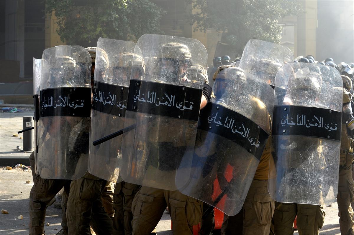 Beyrut'taki protestoların sonuçları: 1 ölü 238 yaralı # 3