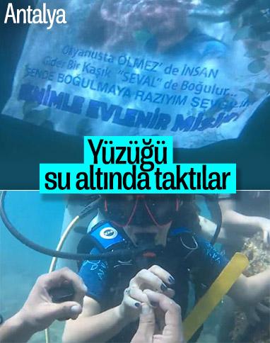 Antalya'da polis memurundan su altında evlenme teklifi