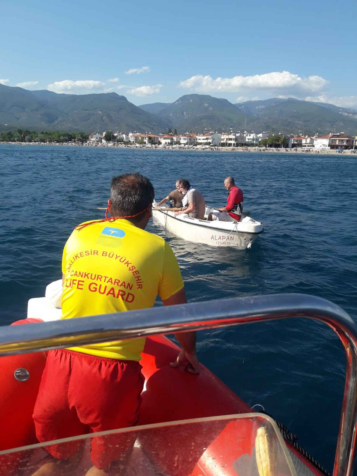 Balıkesir de cankurtaranlar 4 kişiyi kurtardı #3