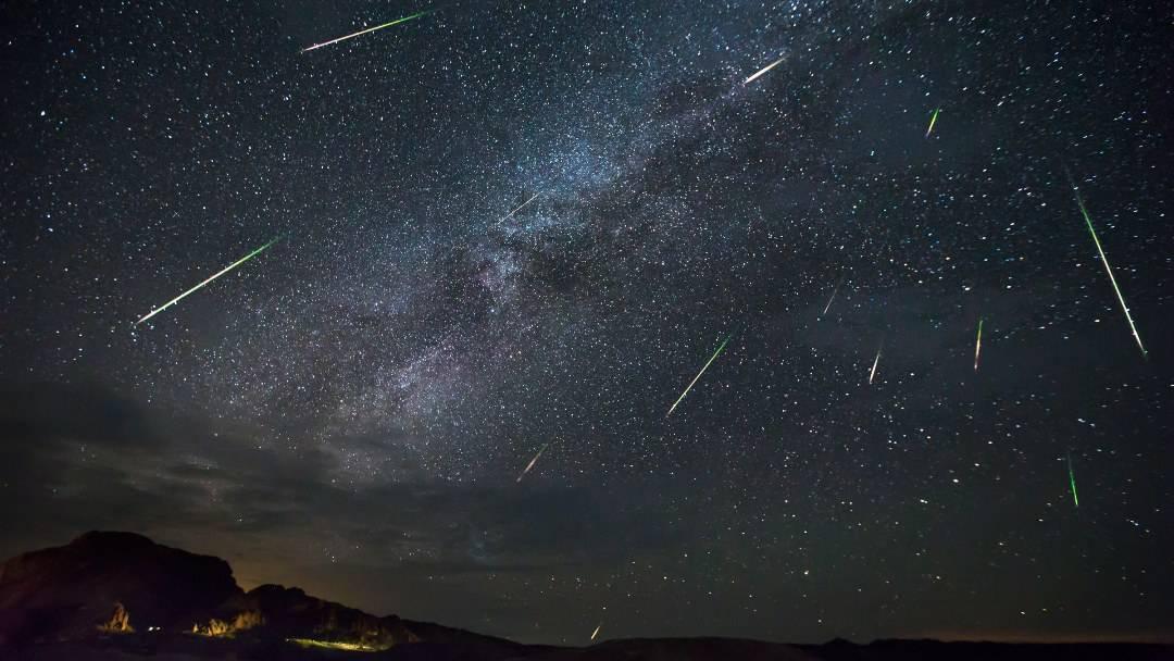 Devam eden meteor yağmurları, ağustosta görsel şölen oluşturacak #1