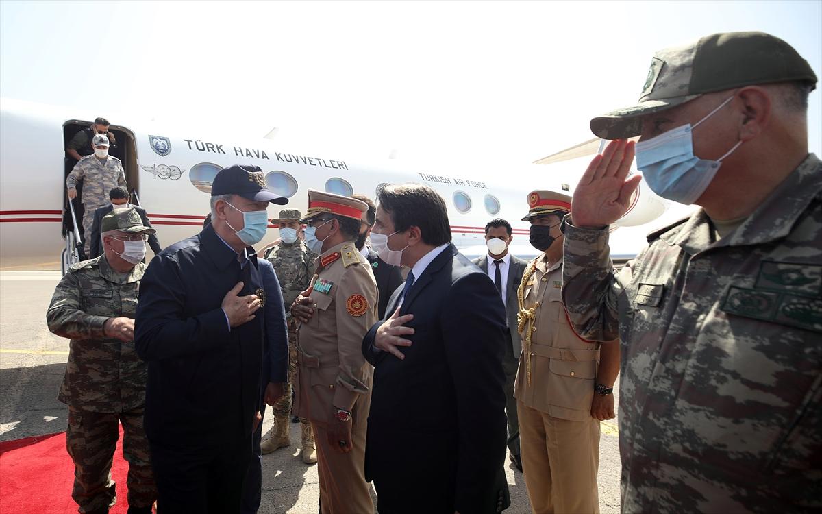 Bakan Akar, Genelkurmay Başkanı Güler ile Libya da #3
