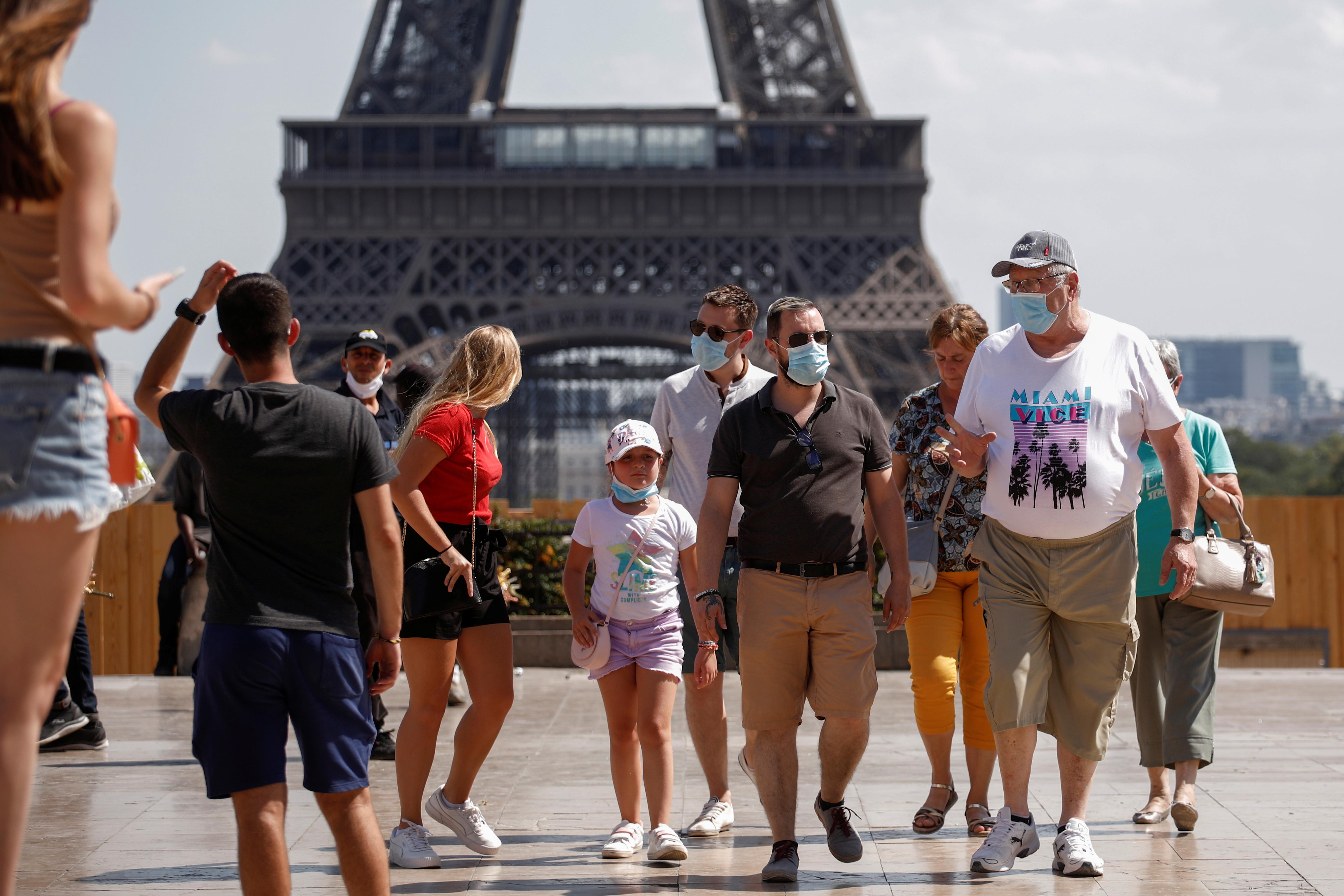 Fransa da iş yerlerinde maske takma zorunluluğu getirildi #2