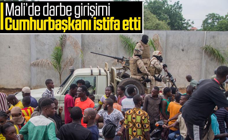 Mali'deki darbe girişiminde Cumhurbaşkanı istifa etti