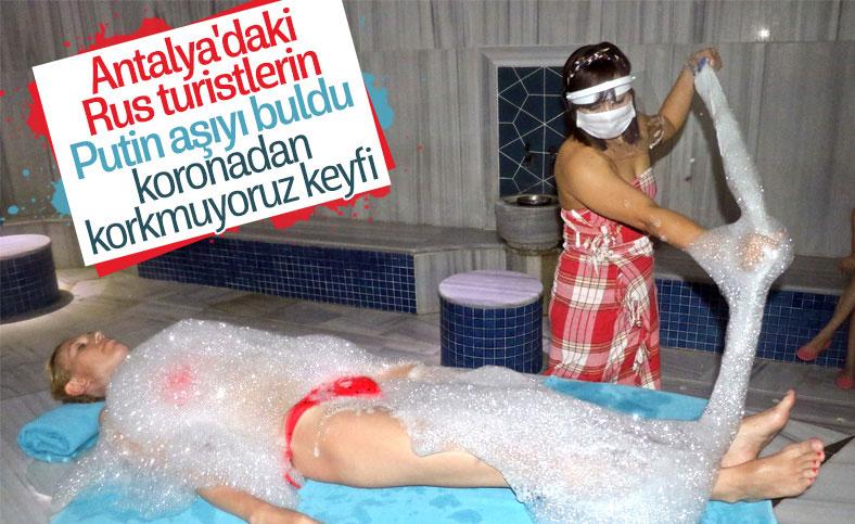 Rus turistler; Türkiye'de tatilin tadını çıkarıyoruz