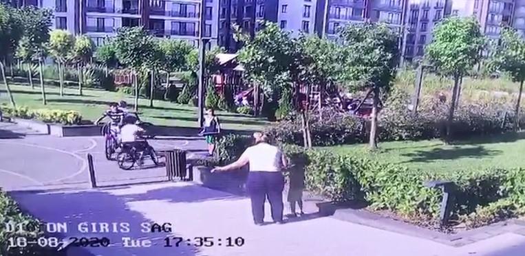 İstanbul da komşu çocuğuna  köpeğimle oynama  dayağı #4