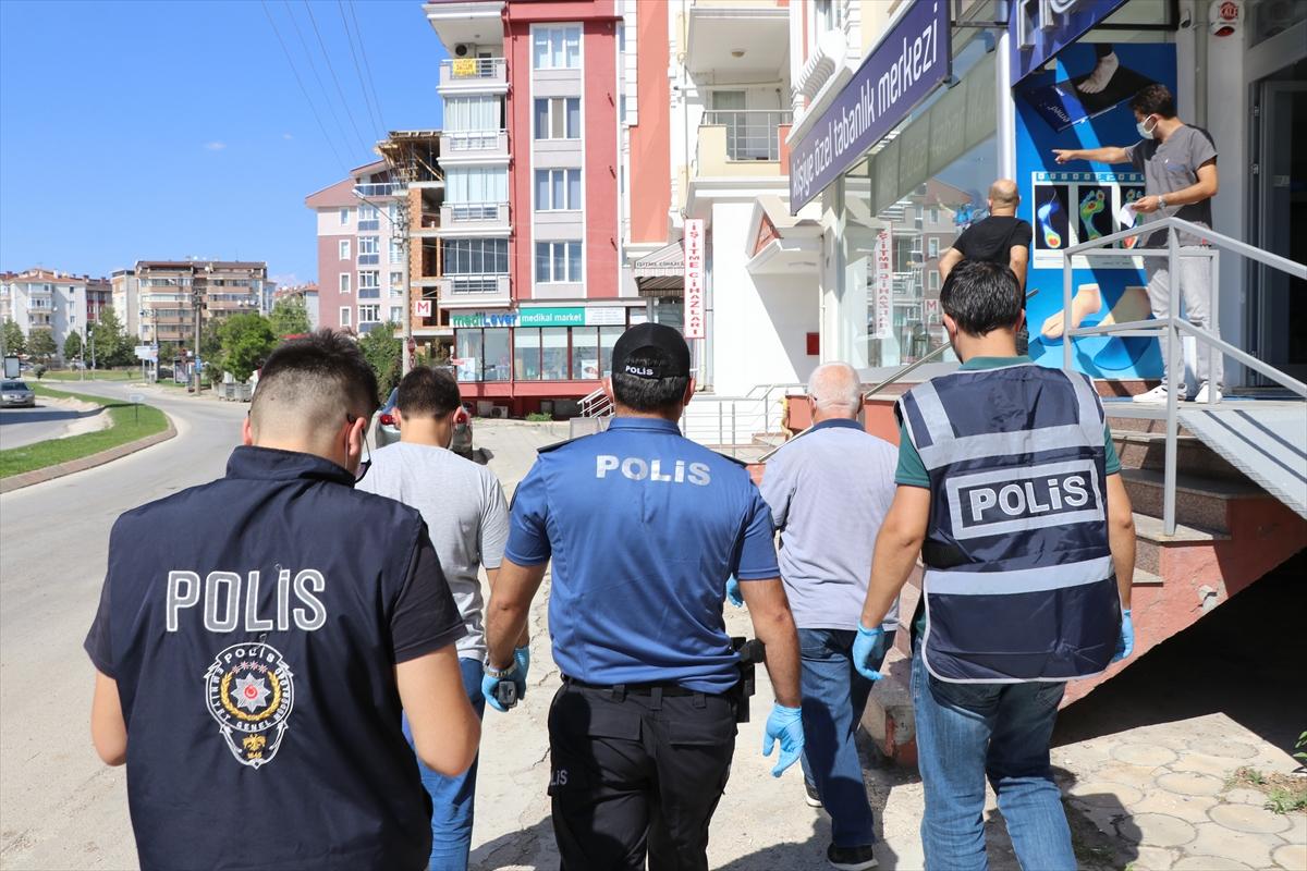 Edirne de polis ve muhtarlardan karantina denetimi #1