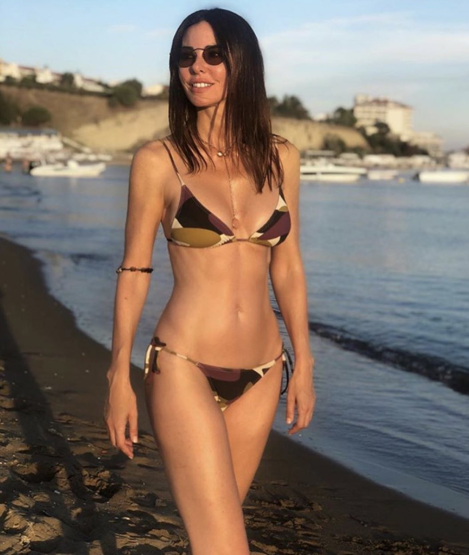 Deren Talu nun bikinili tatil pozu #4