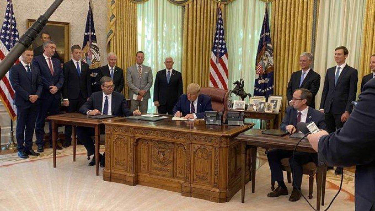 Kosova - Sırbistan anlaşmasından dikkat çeken fotoğraf #1
